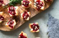Recept: Feestelijke cranberry brie hapjes