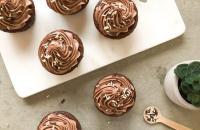 Recept: Dubbele chocolade cupcakes