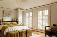 Zoek de verschillen: shutters en houten jaloezieën