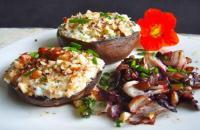 Recept: portobello's met pesto en geitenkaas