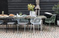 Maak kennis met de eerste tuinstoel van Zuiver