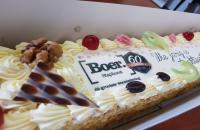 Boer brengt taarten rond in de regio!